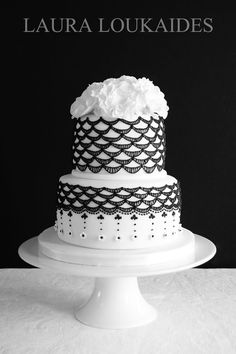 Pretty Black & White Vintage Lace Inspired Cake