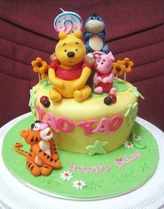 Winnie the Pooh birthday cake - http://cakesmania.net/winnie-the-pooh-birthday-cake/