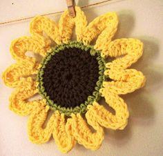 another sunflower! virginia blue, crochet flower