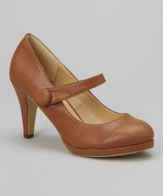 Mary Jane Pump in Brown.