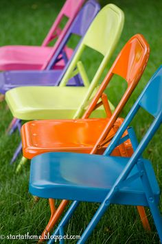 Spray painted metal folding chairs spray painted folding chairs, spray paint metal chairs, painting metal folding chairs, fold chair, spray paint folding chairs, craft areas, metal chairs painted, old chairs, kid crafts