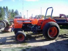 Kubota M4030 tractor salvaged for used parts. Call 877-530-4430 for the best used ag parts. http://www.TractorPartsASAP.com