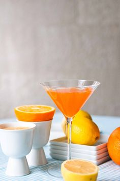 Vitah-Vitah:  4 oz (60ml) orange juice  2 oz (30ml) lemon juice  1-1/2 oz (24ml) Aperol, additional for garnish  1 oz (15ml) Licor 43  2 oz(30ml)gin