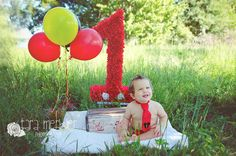 FIRST BIRTHDAY MICKEY MOUSE CAKE SMASH, ORLANDO, FLORIDA CHILDREN'S PHOTOGRAPHER, TARA MERKLER PHOTOGRAPHY