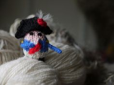 Tiny Napoleon made by Zephrbabe, based on the Tiny Gnome pattern!