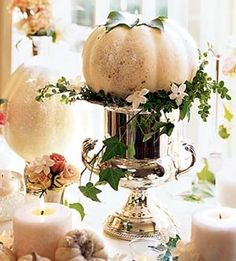 Fall Table - Love the way these White Pumpkins look...