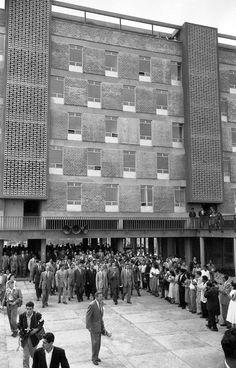 Unidad Habitacional Santa Fe, 1957  Arqs. Mario Pani y Luis Ramos Cunningham