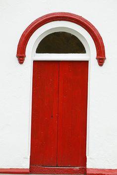 Red Door Ireland by velvia61, via Flickr