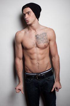 Adam Gregory from 90210.. <3