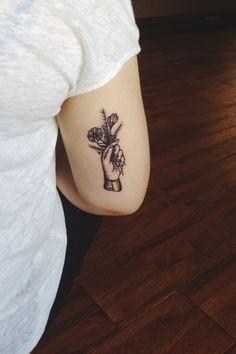 hand, bouquet, arm tattoos, flower tattoos, nature tattoos, little tattoos
