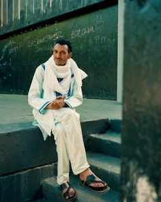 "The guitarist Bombino, a master of North African desert blues, is releasing his sixth album, ""Deran."""