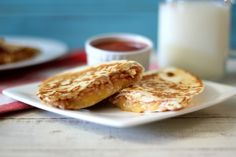 Cheesy Brown Rice Quesadillas #BensBeginners - A cheesy, healthy, easy vegetarian quesadilla filled with brown rice, salsa and cheese. Perfect week night meal or serving as an appetizer.