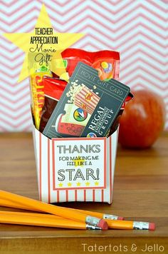 """Thanks for making me feel like a star!"" FREE PRINTABLE tags and red stripe fry boxes...favors for a movie night or a gift idea for teachers or friends."