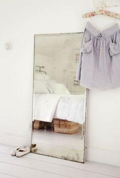 ~ Atlanta Bartlett <3<3<3 (bed reflected in mirror)