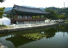 I love traditional Korean architecture