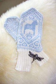 Dala horse mittens dala hors, horses, scandinavia, blue, knit mitten, knitcrochet, norwegian mitten, knit dala, cozi mitten