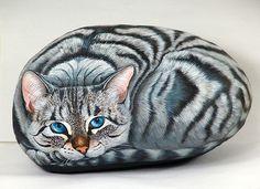 Cat painting on rock by sassidipinti, via Flickr