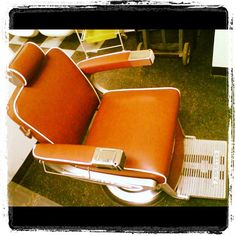 Vintage brown Belmont Barber Chair