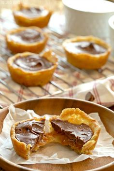 Twix Cookie Cups. AM