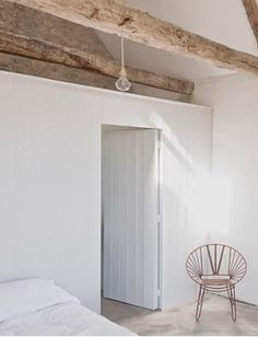 cottag, home interiors, exposed beams, white bedrooms, wooden doors, white interiors