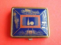 Antique 1939 New York World's Fair Enamel Art Deco Powder Compact Makeup Case