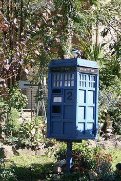 TARDIS - Bird House
