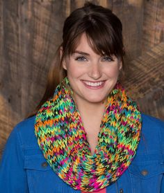 Chunky Colorful Cowl Free Knitting Pattern from Red Heart Yarns