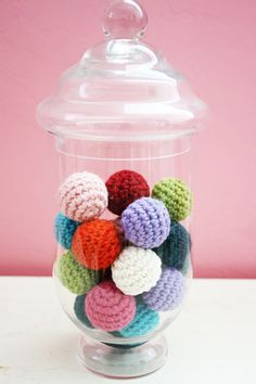 Crochet tutorial for gumballs. could use these to make an abacus ~!~