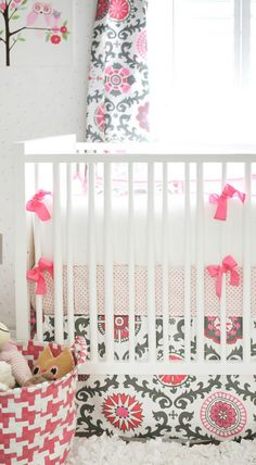 Absolutely loving these sweet nursery colors and all of these pretty patterns!