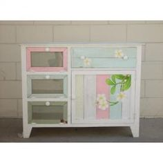 Painted furniture - love the distress look