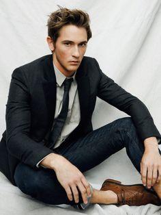 jacket + rolled jeans + skinny tie