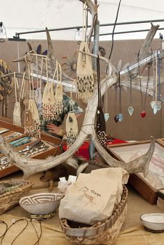 Native American crafts and handmade crafts.