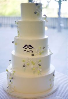 pictures wedding cakes cake coutur modern cakes lovebirds wedding cake