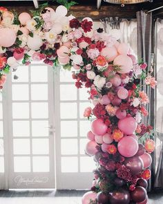 balloons and flowers decorated wedding arch ideas