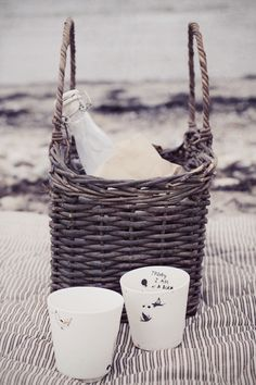 ♥ picnic on the beach