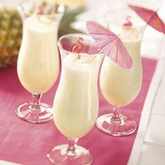 Tropical Pineapple Smoothies - bjl