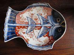 ANTIQUE c1900 JAPANESE IMARI FISH PLATE