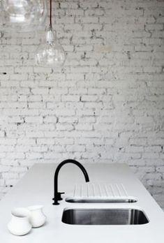 Monochrome Kitchen / Home Decor Ideas (instagram: the_lane)