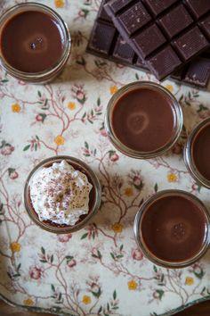 Perfect picnic dessert: Nutella Pots de Créme in mason jars.