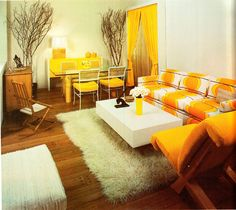 1977 interior design. Gimmie that couch!