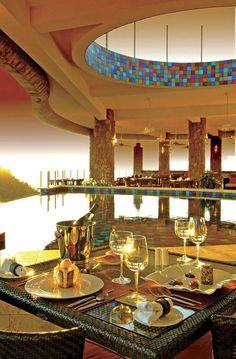 Infinity Pool: Jade Mountain Resort in St. Lucia, Caribbean