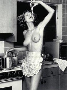 kitchens, eva herzigova, black white photography, spaghetti, cooking, pastas, bruce weber, apron, calendar
