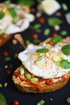 Fried Egg, Sriracha, & Peanut Butter Toast #recipe