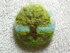 Karen Makes Stuff: needle felting - felted tree brooch