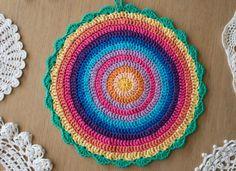 Crochet mandala instructions. Wonderful website for many inspirations!