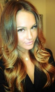 Adore this Honey caramel hair color! Bayalage