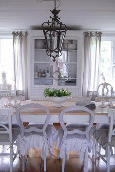 Love the Light - Love the Chairs - Love the light/white