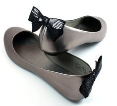 DIY: Back of the shoe clip using bobby pins