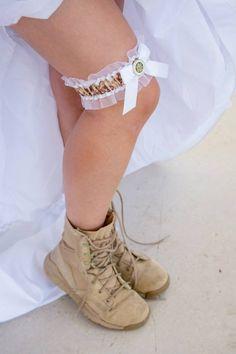 971850_10151708218009222_185950372_n.jpg 639×960 pixels cowboy boots, army wedding garter, militari bride, marines wedding ideas, army garter, military wedding, army bride, combat boots, bride groom