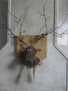 Home Frosting: Reindeer Plaque